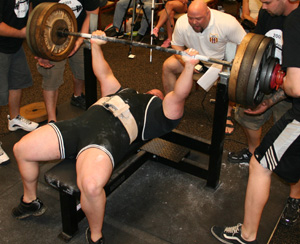 Joe DeGiovine Benching 585 Easy!
