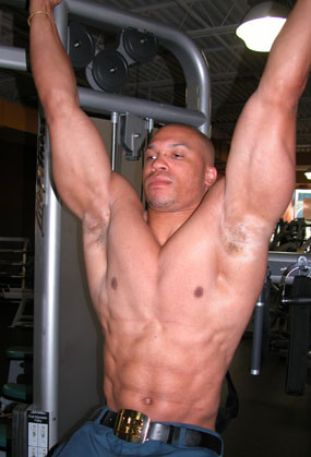 Learn The Proper Pull Up Exercise