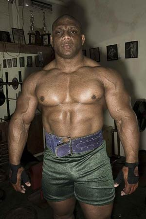 Huge Bodybuilder Quincy Taylor