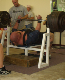 raw bench can get stronger even when training in a bench shirt