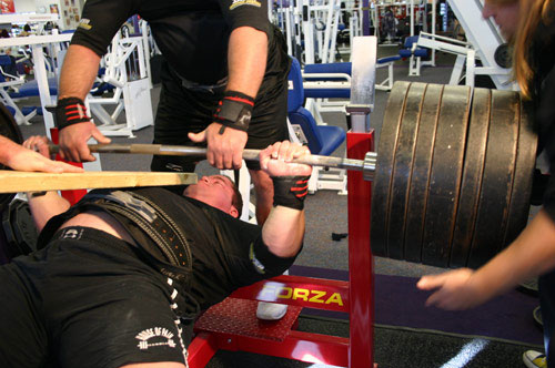 Ryan Kennelly 1050 World Record Bench Press