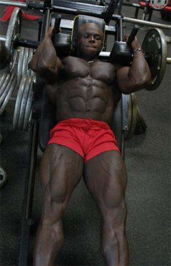 Bodybuilder Sean Jones doing leg presses